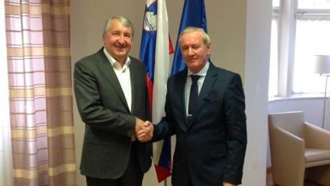 Slika: slika: uzsz.gov.si