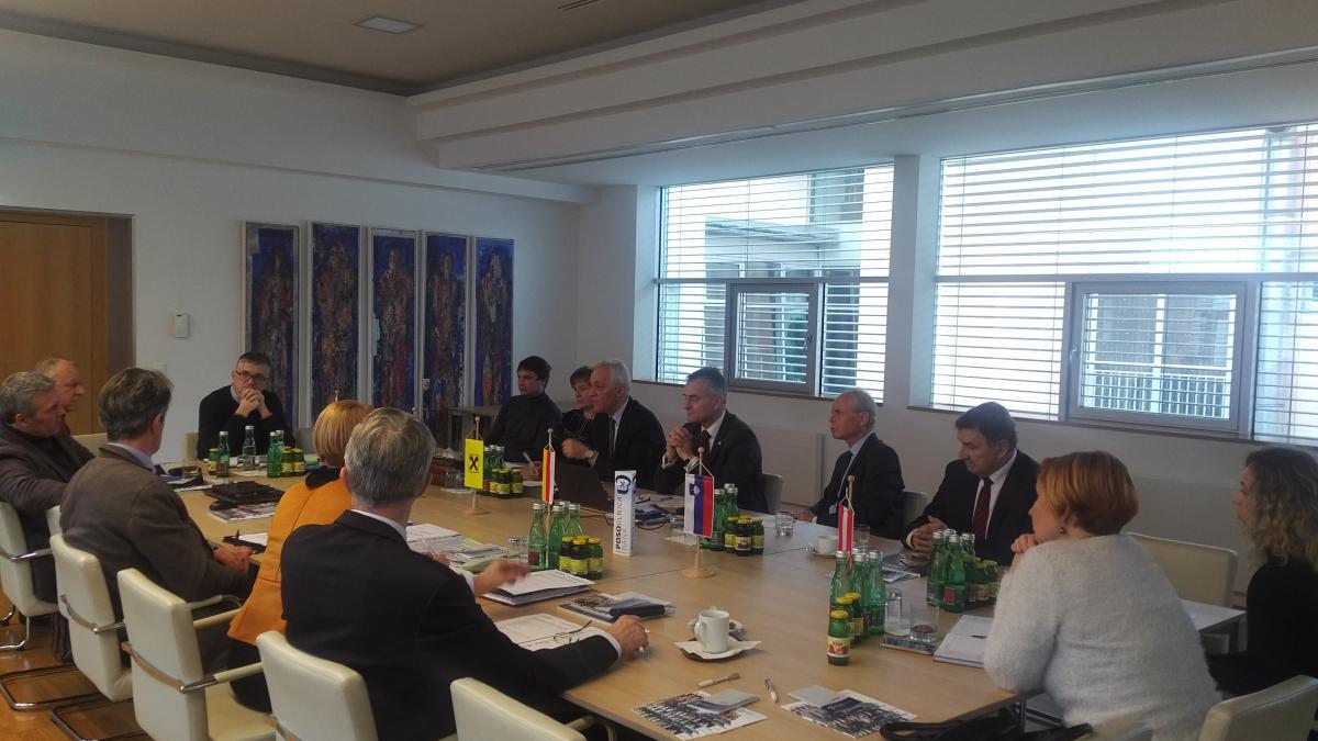 Slika: Srečanje Medresorske gospodarske komisije - 12.12.2017 - Celovec