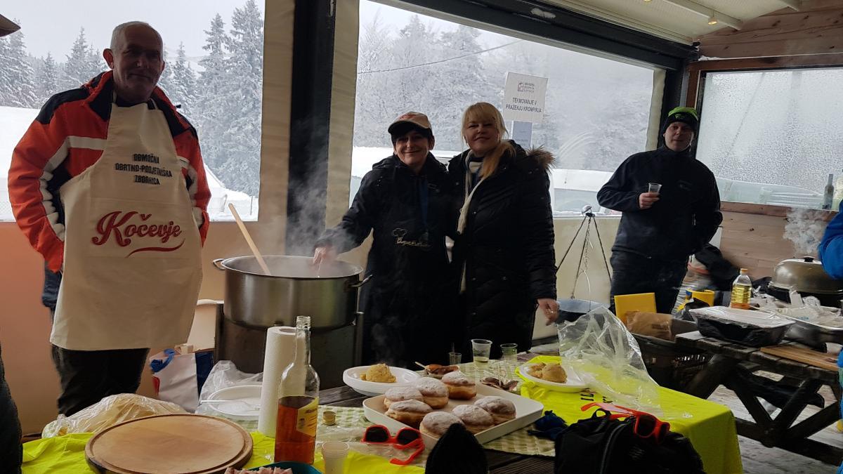 Slika: Obrtno podjetniška zbornica Slovenije priredila druženje na smučišču Kope