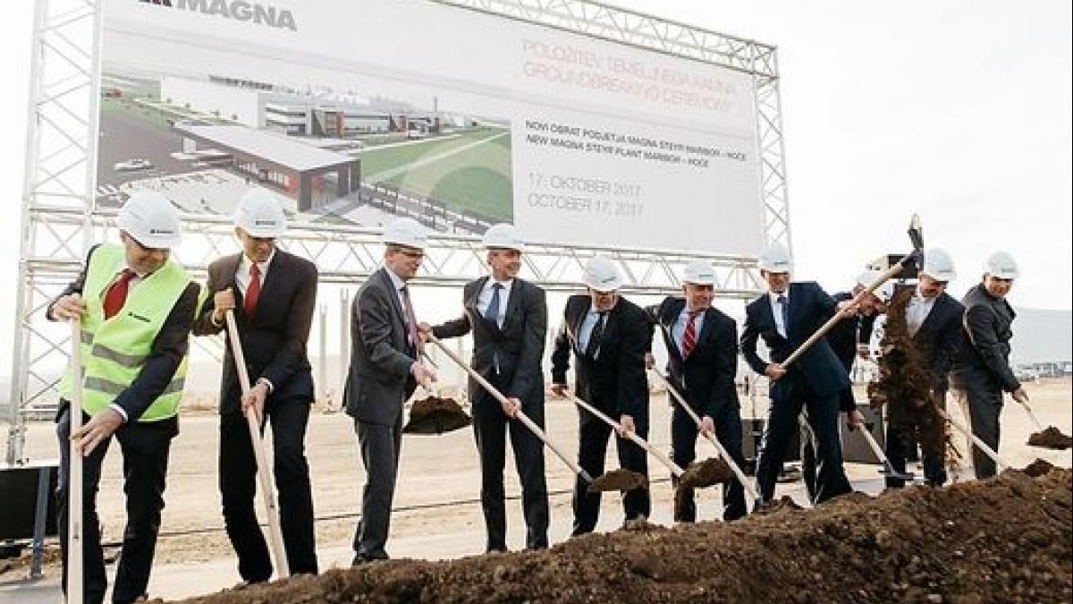 Slika: Slovesnot ob začetku gradbenih del v oktobru 2017; slika © Magna