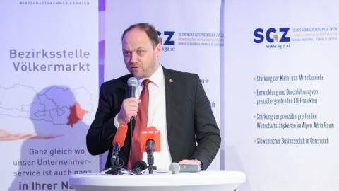Slika: Boštjan Gorjup na konferenci SGZ v Dobrli vasi, 16.02.2018 - slika: Florian Mori