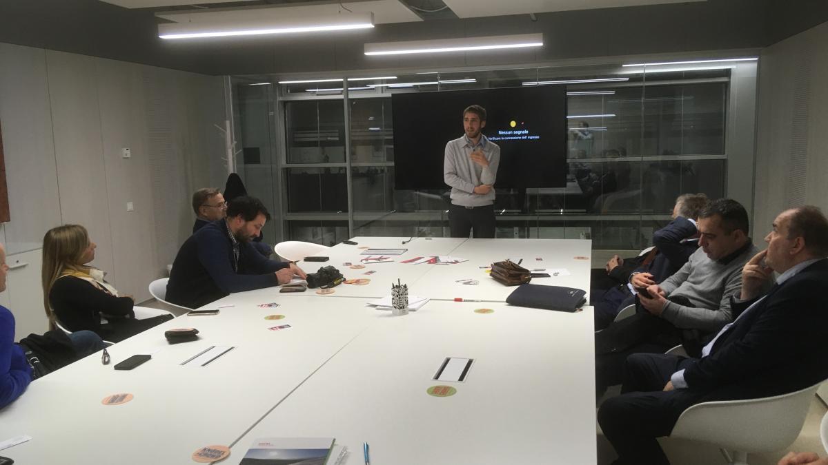 Slika: pogovori v tehnološkem parku NOI - zastopnik EURAC