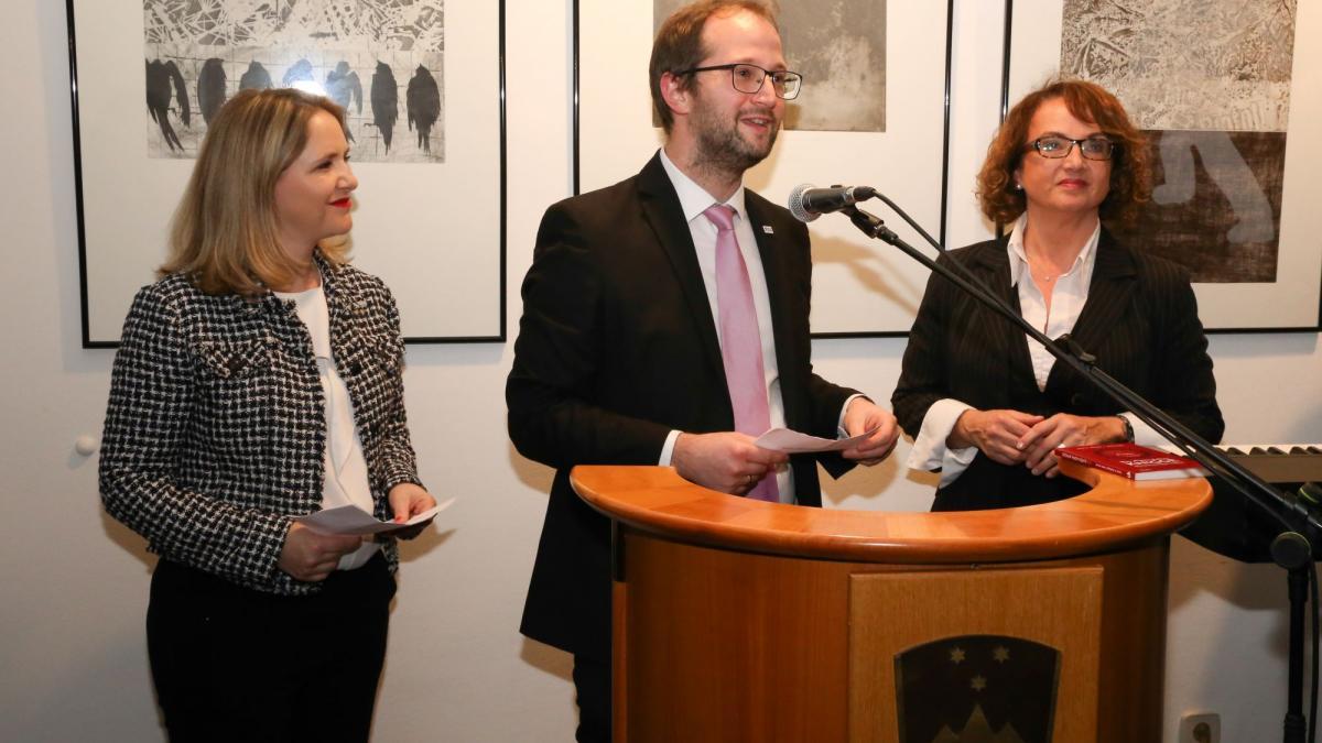 Slika: Vesna Hodnik, Andrej Hren, Maria Theresia Radinger (z leve)
