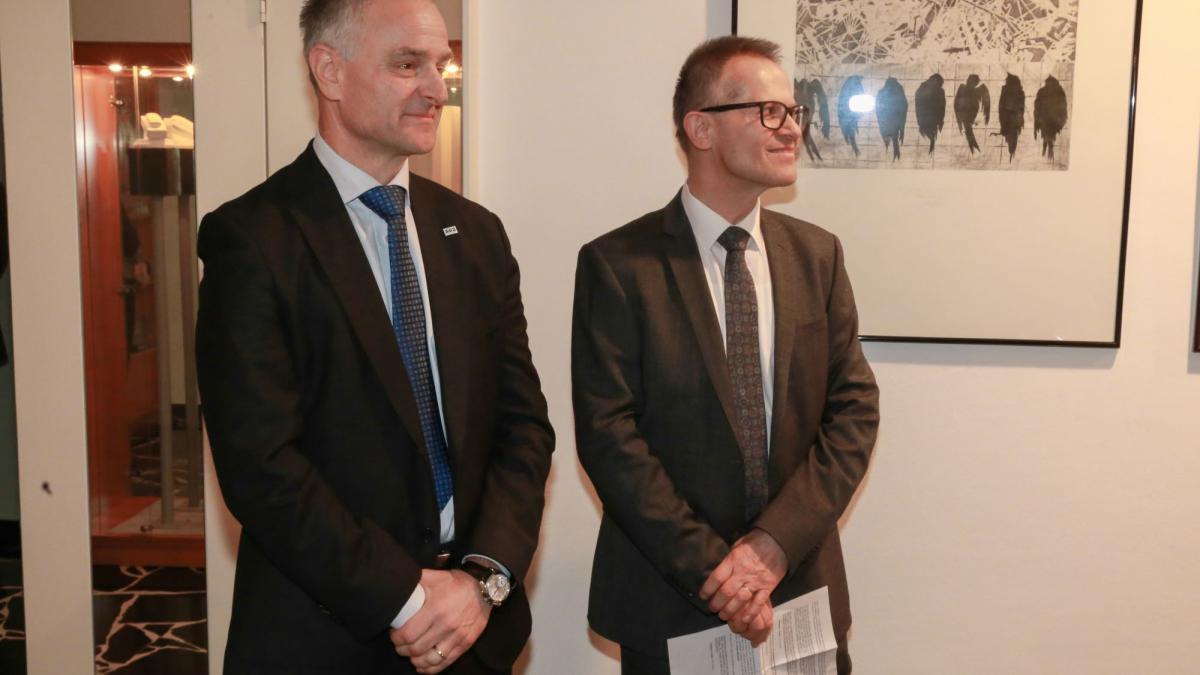 Slika: predsednik SGZ Benjamin Wakounig, generalni konzul RS Anton Novak (z leve)
