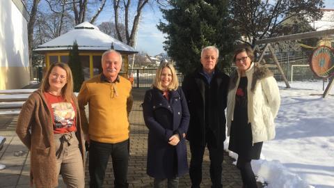 Bild: Frau Barbara Riman auf Besuch in Kärnten