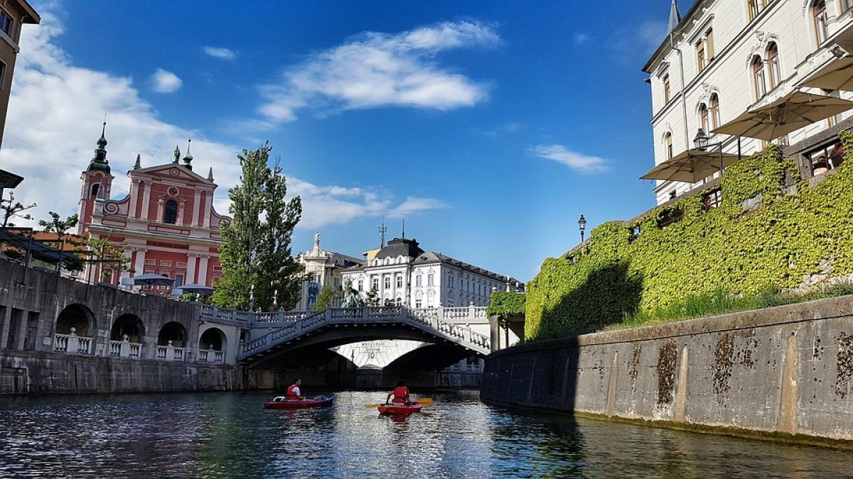 Slika: Sprostitev ukrepov v Slovenij