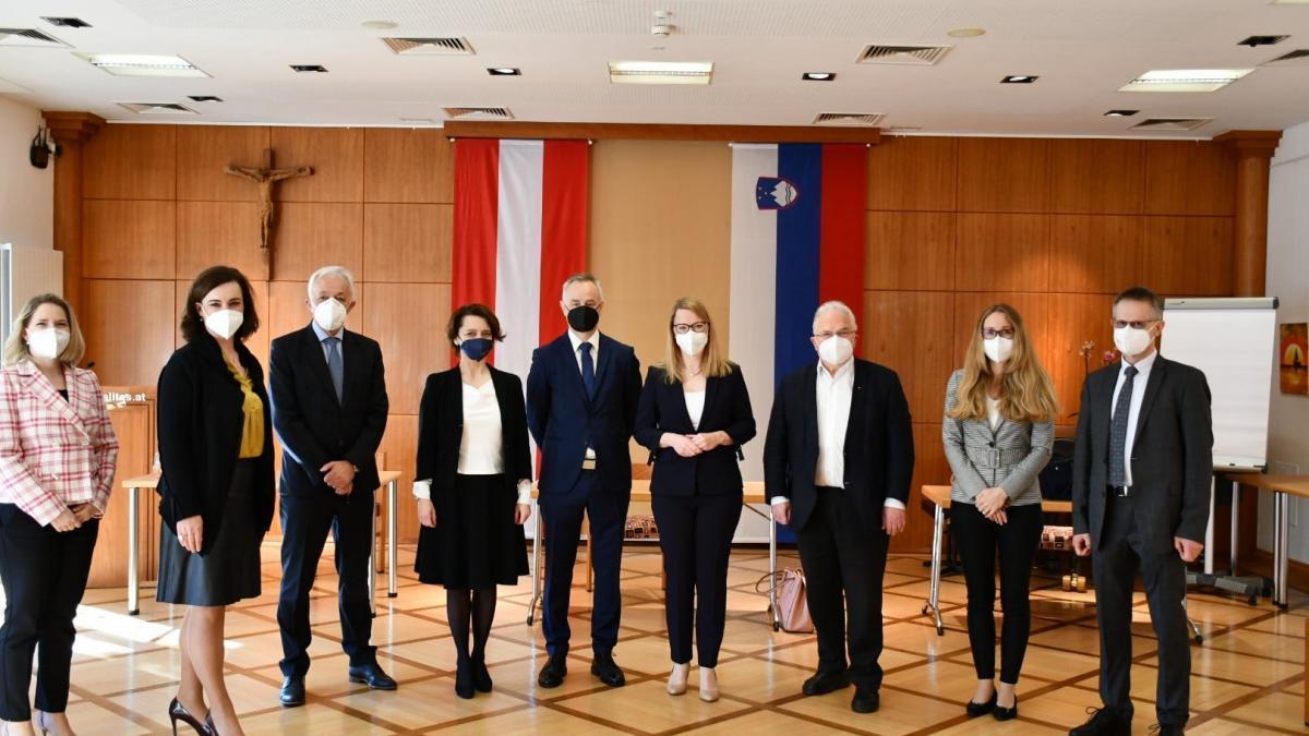Slika: Ministrica dr. Helena Jaklitsch