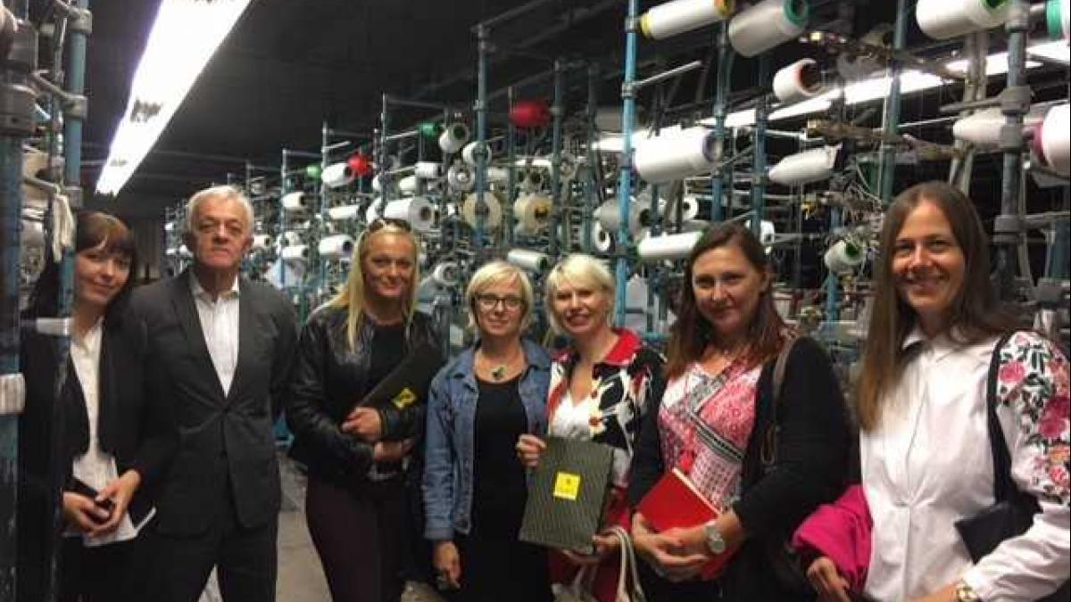 Slika: Obisk podjetij v Savinjski dolini - Tovarna nogavic Polzela in Dolejši modni gumbi