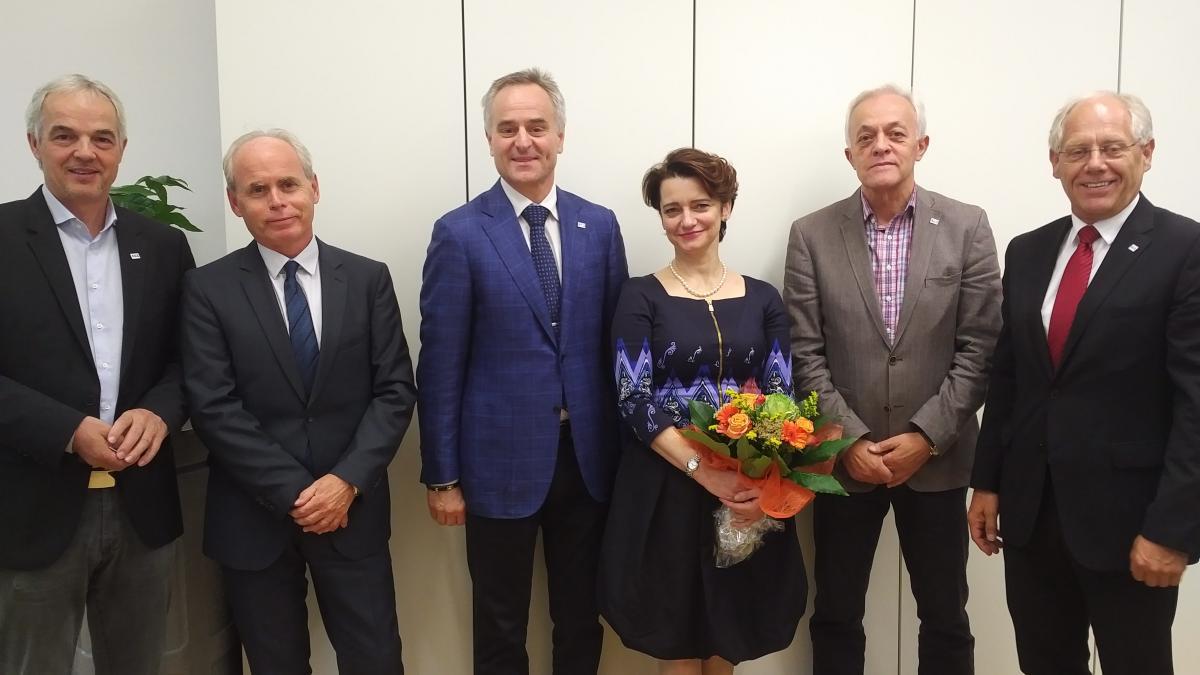 Slika: Nova veleposlanica na obisku pri SGZ